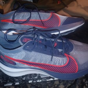 Nike zoom gravity womens running shoes size 9.5